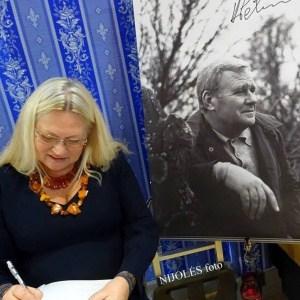 Mielojo tėčio rėčio, rašytojo Vytauto Petkevičiaus (1930-2008), mintys, darbai ir nepaliaujama tarnystė Lietuvai bei jos žmonėms – mano atspara ir stiprybės šaltinis. Vytauto Petkevičiaus atminimo vakaras Pakruojo bibliotekoje. 2017 lapkričio 17.
